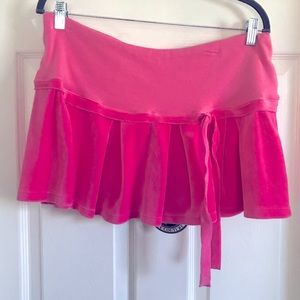 Juicy couture pink princess velour skirt size L.